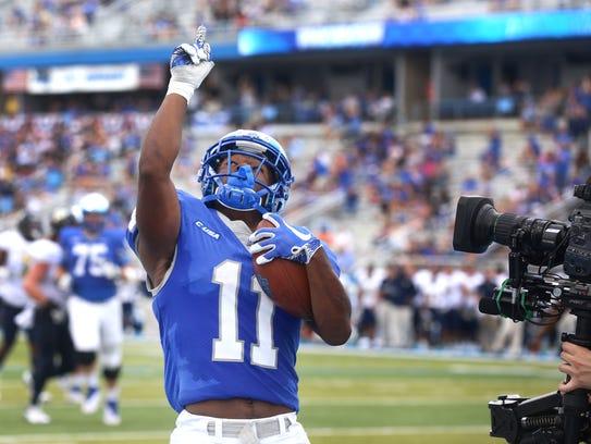 MTSU's Brad Anderson (1) celebrates his touchdown in