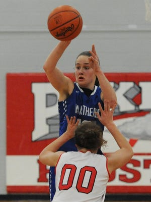 Southeastern's Ella Skeens passes the ball to a teammate during a game against Piketon.