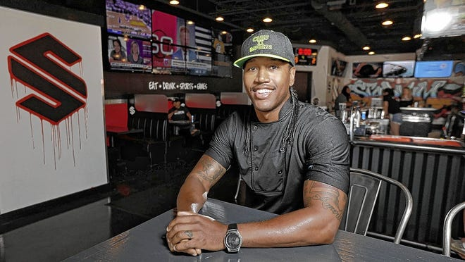 Columbus native Darnell Ferguson, a veteran of national cooking competitions, has opened Stadium, an upscale sports bar, in Gahanna.