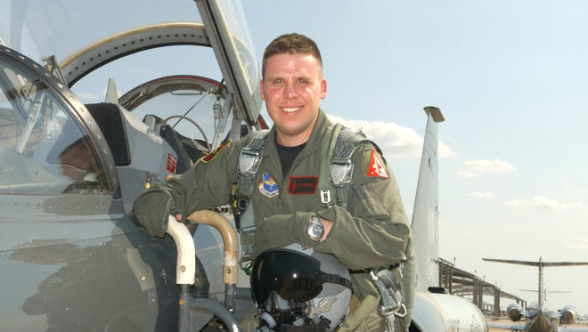 West Des Moines native Mark Gongol helped land a commercial flight to Denver after the pilot suffered a heart attack.