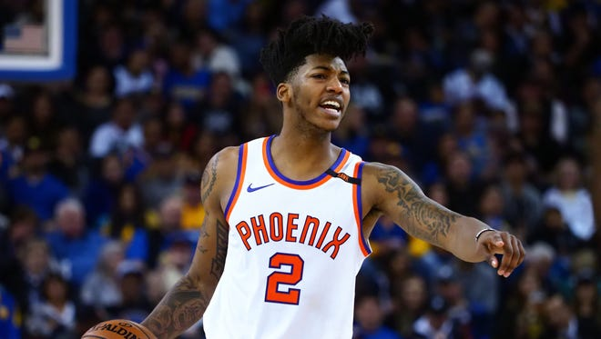 Phoenix Suns guard Elfrid Payton (2) calls out to teammates during the third quarter against the Golden State Warriors at Oracle Arena.
