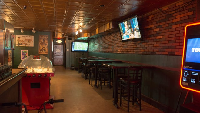 Richmond's flat-screen TVs allow you to catch all your favorite games.