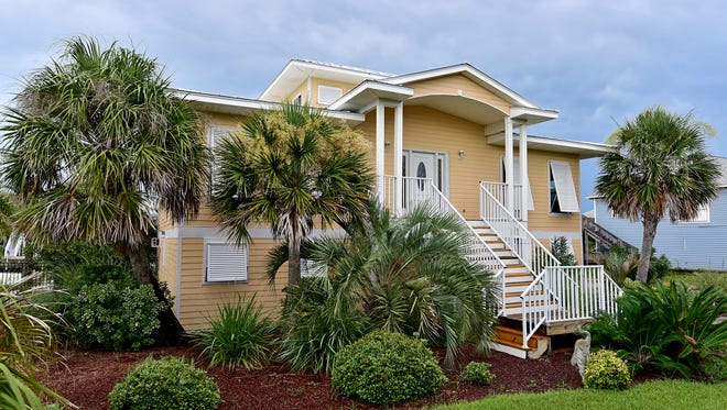 7221 Lafitte Reef, front view.