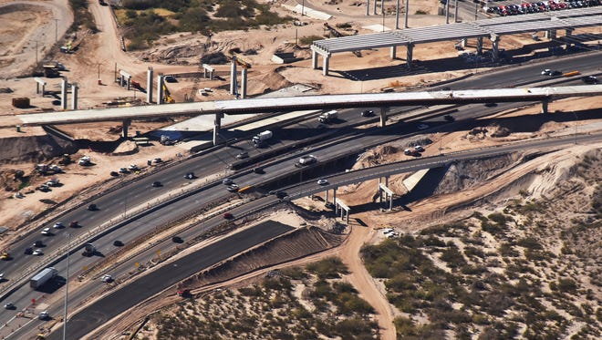 Work continues on  the new expansion bridge that will move traffic along the US/Mexico border.