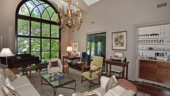 2125 Bayou Blvd, the open living area with a water view.