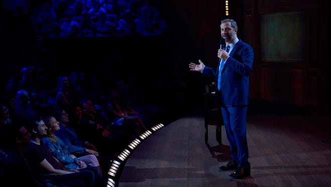 Mega-producer Judd Apatow goes back to his standup comedy roots in the Netflix special, 'Judd Apatow: The Return.'