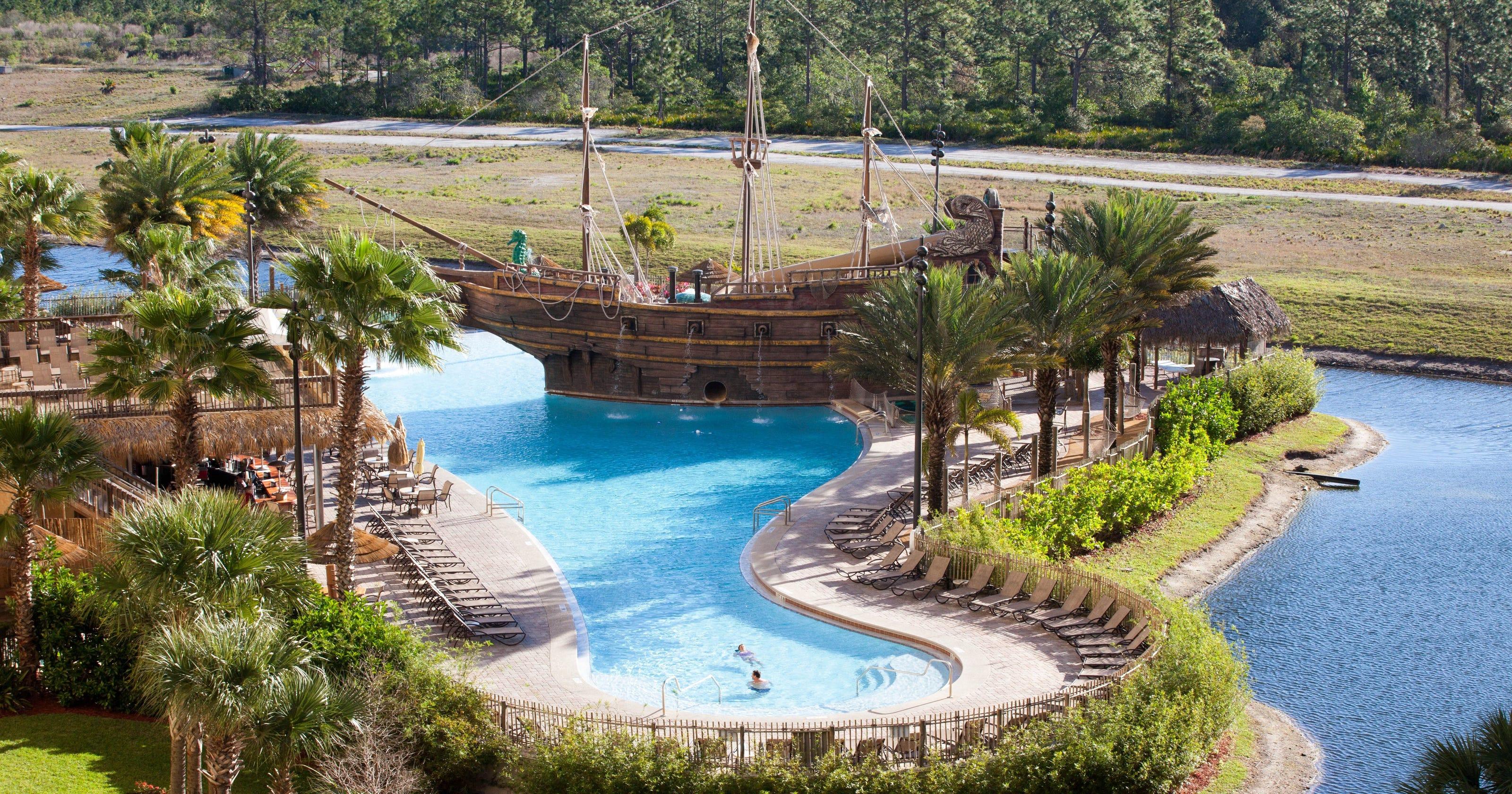 11 amazing hotel pools in orlando for Pool design usa