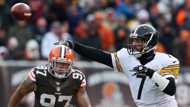 QB Ben Roethlisberger and the Steelers have won three straight to climb back into the AFC playoff picture.