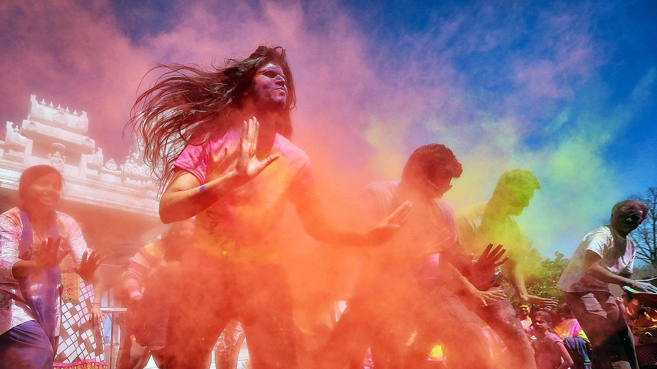 Pigments of your imagination: Memphians usher in the spring with the traditional Indian Festival of Colors.