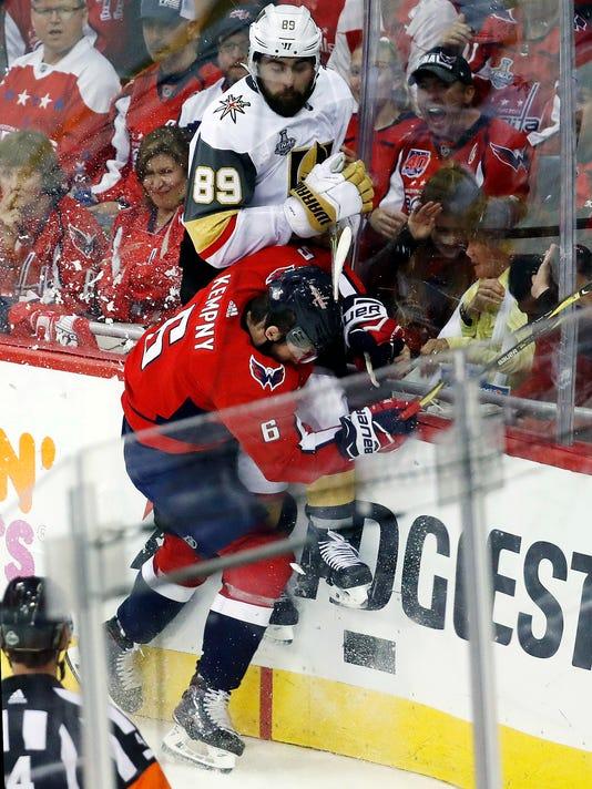 APTOPIX_Stanley_Cup_Golden_Knights_Capitals_Hockey_99565.jpg