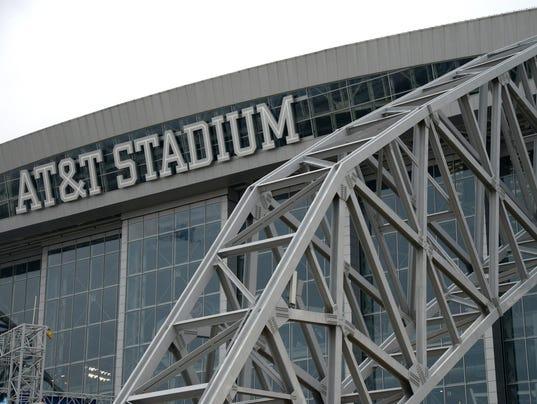 2013-10-22-atnt-stadium