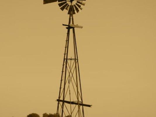 windmill_1419880886924_11985214_ver1.0_640_480.jpg