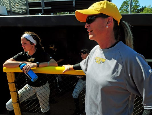 wendy-hogue-usm-softball-coach-114.jpg