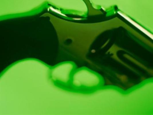 635801690652113599-GUN