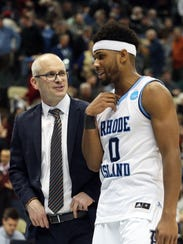 Rhode Island Rams head coach Dan Hurley talks with