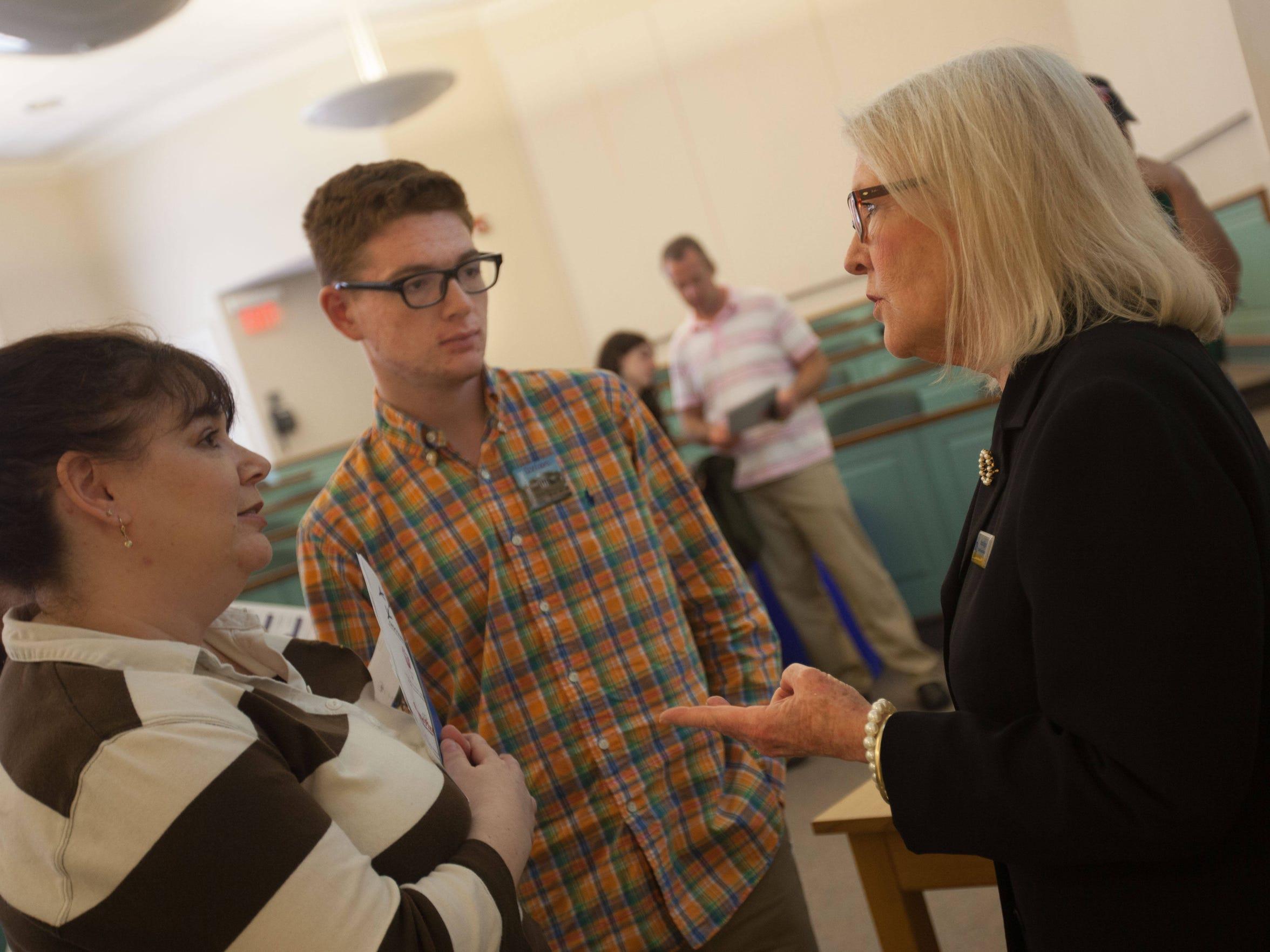 University of Delaware student financial advisor Donna