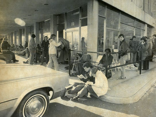 Lines of persons seeking tickets to Frank Sinatra's