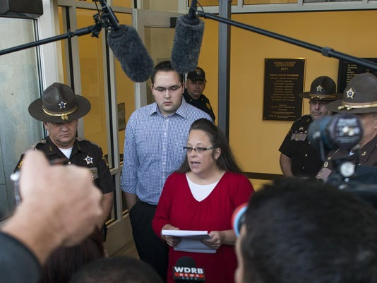 Kentucky County Clerk Kim Davis Returns To Work