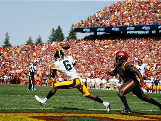 Ihmir Smith-Marsette recorded one of the signature plays of the 2017 Hawkeye season: This game-ending overtime catch at Iowa State to give Iowa a 44-41 win.