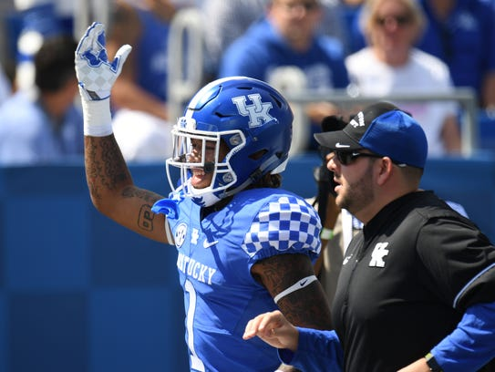 UK WR Lynn Bowden Jr. acknowledges fans after being