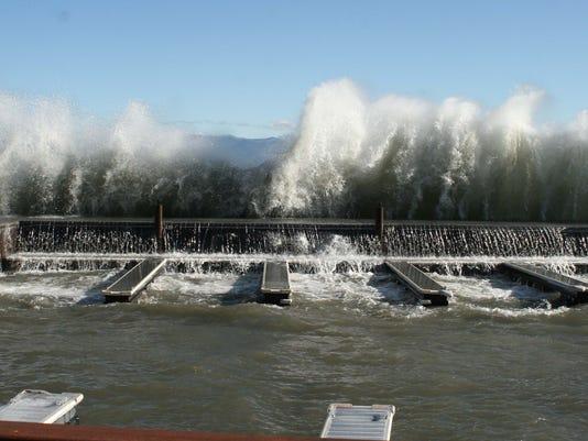 REN0830 Tahoe Waves 03.jpg