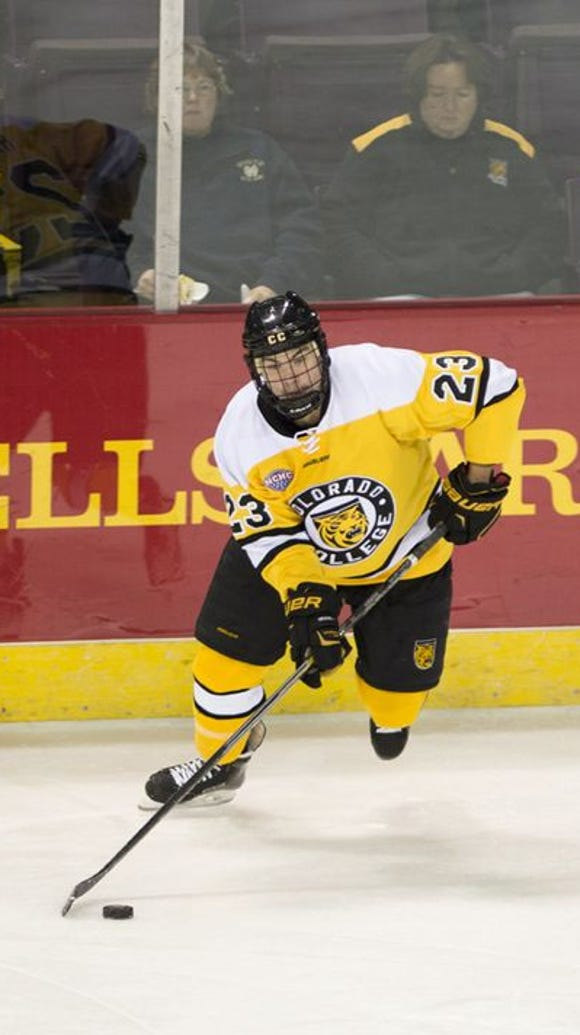 Colorado College sophomore Matt Hansen carries the