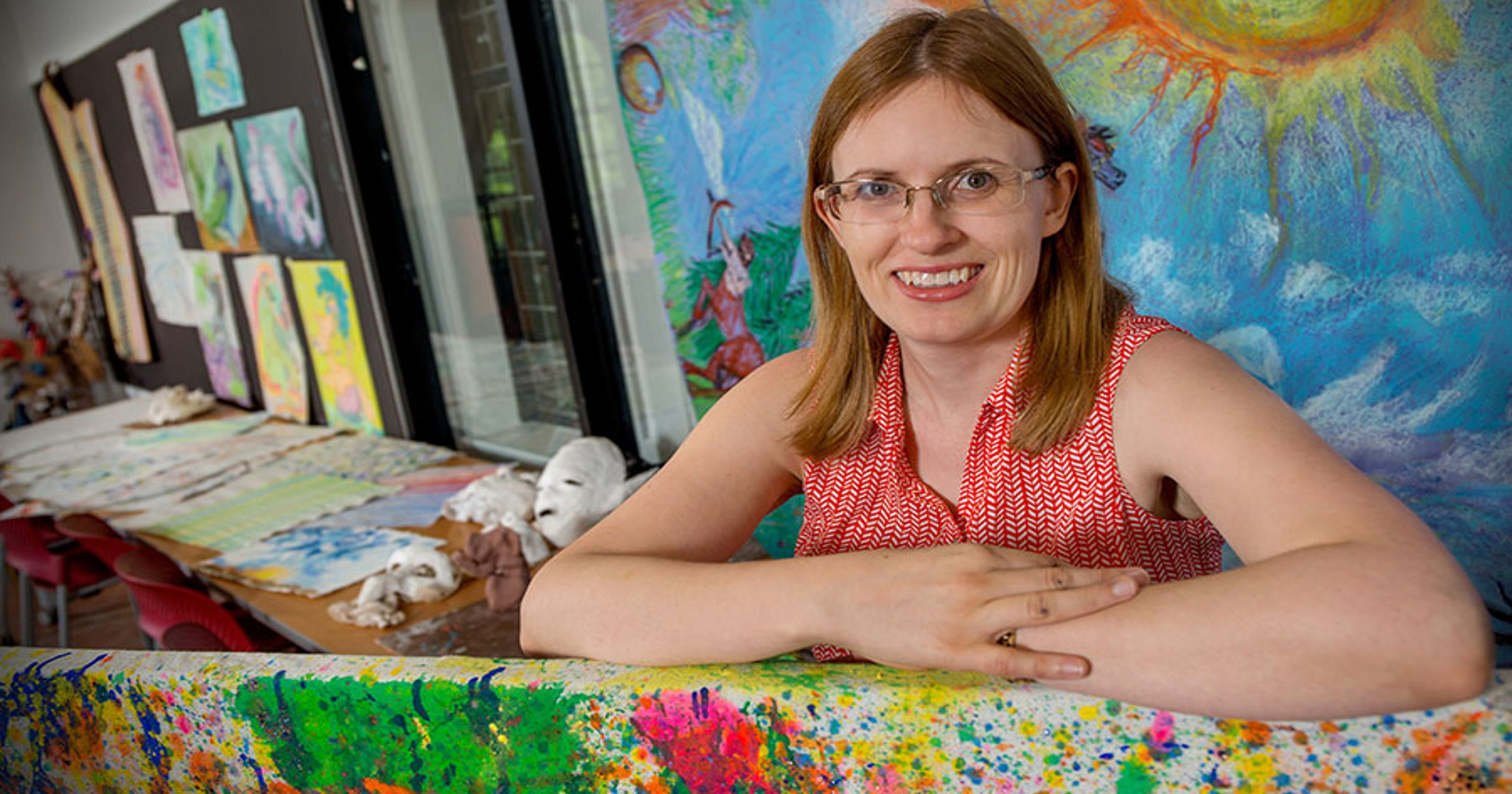 Researcher studies art therapy as model for autism treatment