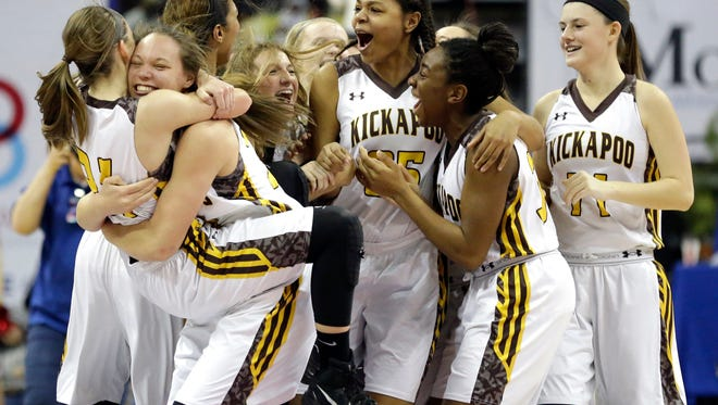 Kickapoo celebrates after defeating Kirkwood 63-53 in the Missouri Class 5 girls high school championship basketball game Saturday, March 19, 2016, in Columbia, Mo. (AP Photo/Jeff Roberson)