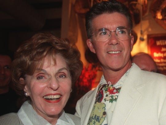 Alan Thicke and Frau Weisler pose together during a