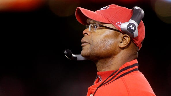 Mike Singletary during his stint as 49ers coach on