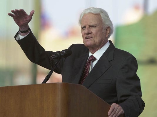 2002.6.28.12. GRAHAM METRO: Reverend Billy Graham gives his sermon at the Greater Cincinnati Northern Kentucky Billy Graham Mission held at Paul Brown Stadium Friday June 28, 2002. The Cincinnati Enquirer / Brandi Stafford .bs