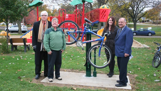 In 2014, Deb Cooper and her colleague Michael Keusch received a grant to install a Bike Fix It station in Portland along the bike trail on the river.