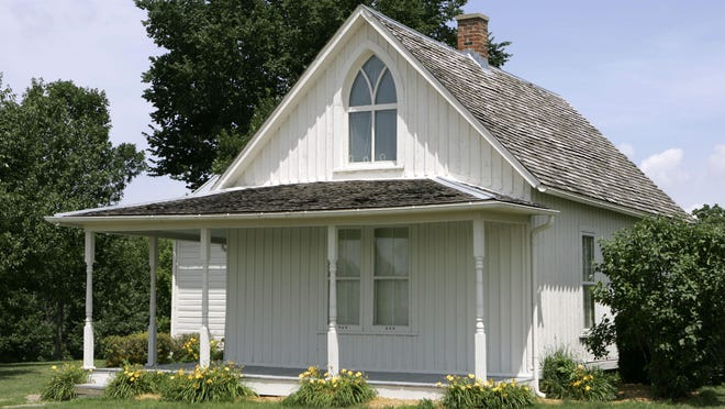 The American Gothic House in Eldon no longer has a tenant. Owners have decided to turn the house into more of a museum.