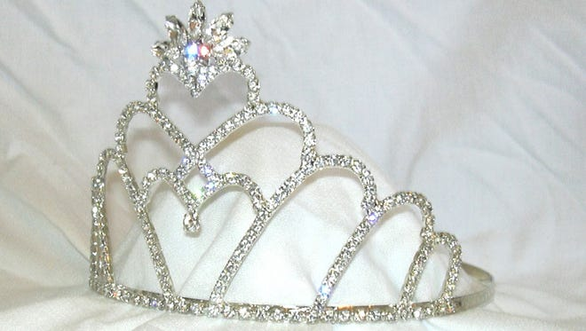 Proverbs 31: Women of Virtue and Women of Purpose will host Crown On Gathering from 6-10 p.m., Saturday, July 8 at Omni Corpus Christi Hotel, 900 N. Shoreline Blvd. A crown and gown formal gathering featuring speakerTeena Houston, and catering by Republic of Texas Bar and Grill. Cost: Free for first 250 women's RSVPs. Information:www.eventbrite.com/e/women-with-purpose-crown-on-gathering-tickets-33354845240.