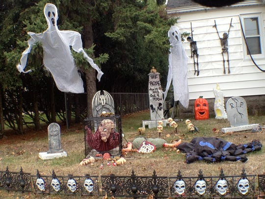 Halloween decoration outside of a Wisconsin Rapids