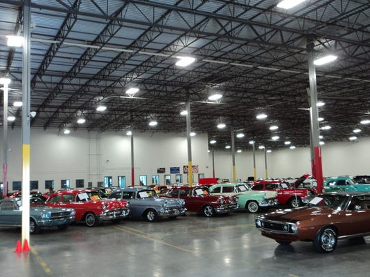 Classic Cars Showroom Plans April Opening In La Vergne - Streetside classics car show