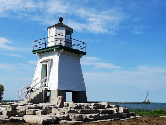 636101749038057523-pc-lighthouse-01.jpg