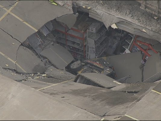ROOF-COLLAPSE-2-WNBC-000000014600524.jpg