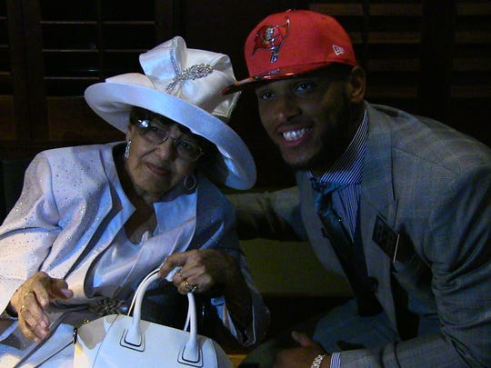 O.J. Howard was all smiles with his great great grandmother,