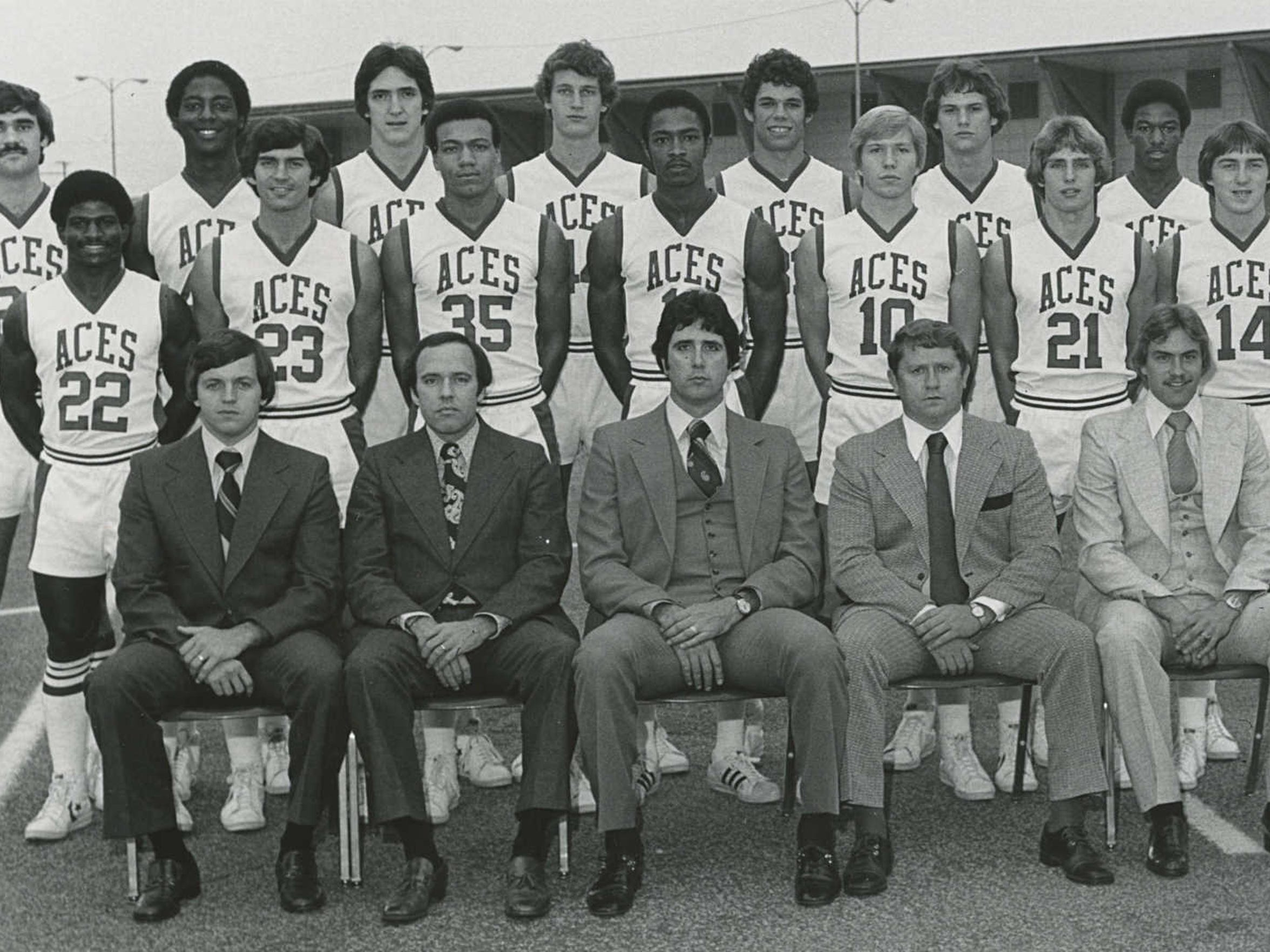 1977 University of Evansville Purple Aces