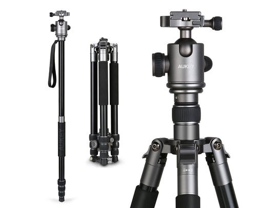 The Aukey CP-T06 travel tripod comes in multiple configurations, including a detachable middle column that can be turned into a monopod.