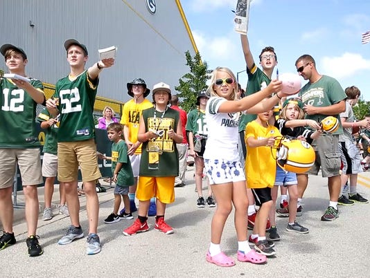 636646638490293522-PackersTrainingCamp.Movie-Snapshot.jpg