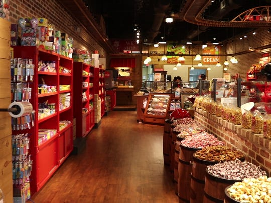 River Street Sweets • Savannah's Candy Kitchen will open a shop in downtown Greenville.
