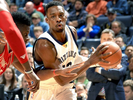 Jeff Green drives against Houston at FedExForum.