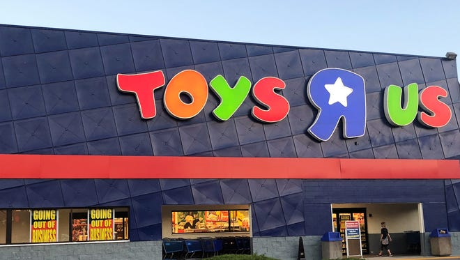 April 21 is the last day to use Toys R Us gift cards.