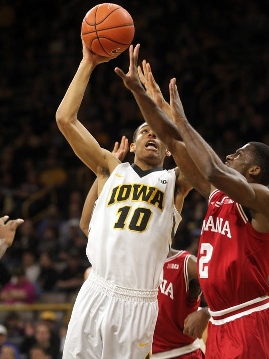 636233736973710548-IOW-0221-Iowa-vs-Indiana-mbb-10.jpg