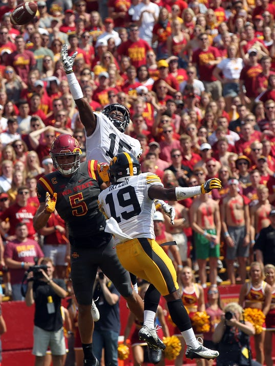 636405715682954051-170909-17-Iowa-vs-ISU-football-ds.jpg