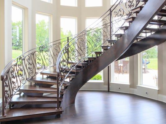 636208502413416462-stairs-1.JPG