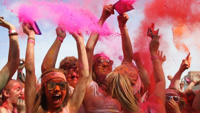 More than 10,000 people signed up to run in the 2013 Color Run race in Springfield.
