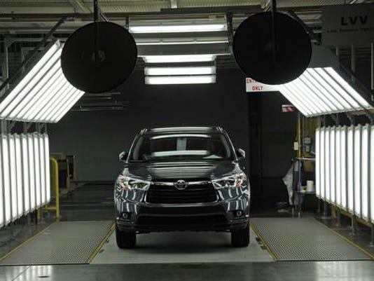 2014 Toyota Highlander.jpg